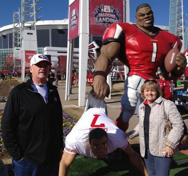 20120131_colin_kaepernick_parents_at_falcons